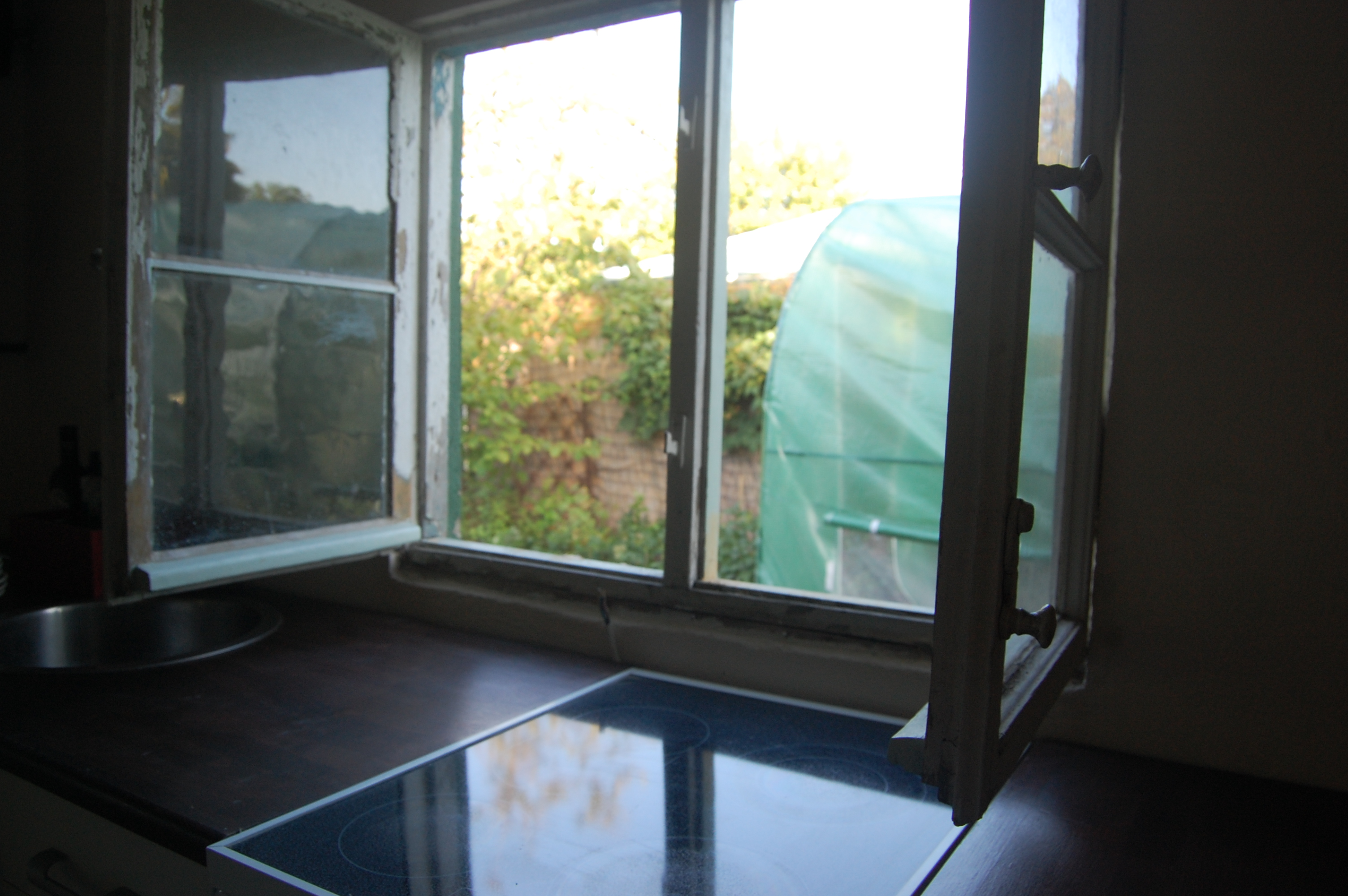 Reperaturen am mauerwerk innenausbau und die k che zieht for Fenster zieht
